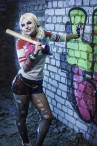 suicide_squad___harley_quinn_cosplay_by_lionadeshanel-d9ty7im