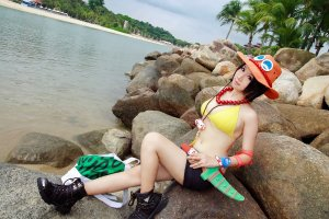 one_piece___genderbent_ace_by_xeno_photography-d6nnlvt
