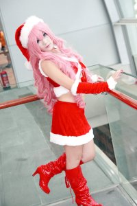 christmas_luka_cosplay_by_w2200354-d4k4jd3