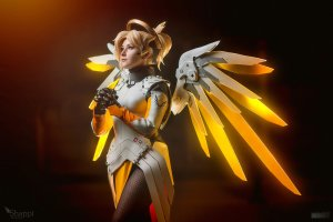 mercy___overwatch_by_shappi-dadgm35