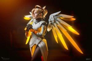 mercy___overwatch_by_shappi-dadgm35