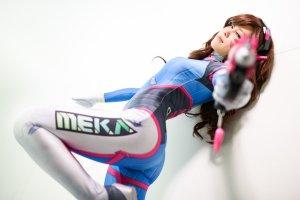 overwatch_dva_by_miyuki_cosplay_by_miyuki_cosplay-da4skc8